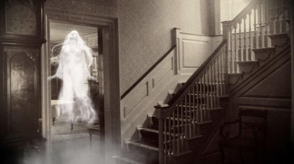 A-propos-manifestation-paranormale-Philomène-Médium-Cartomancienne