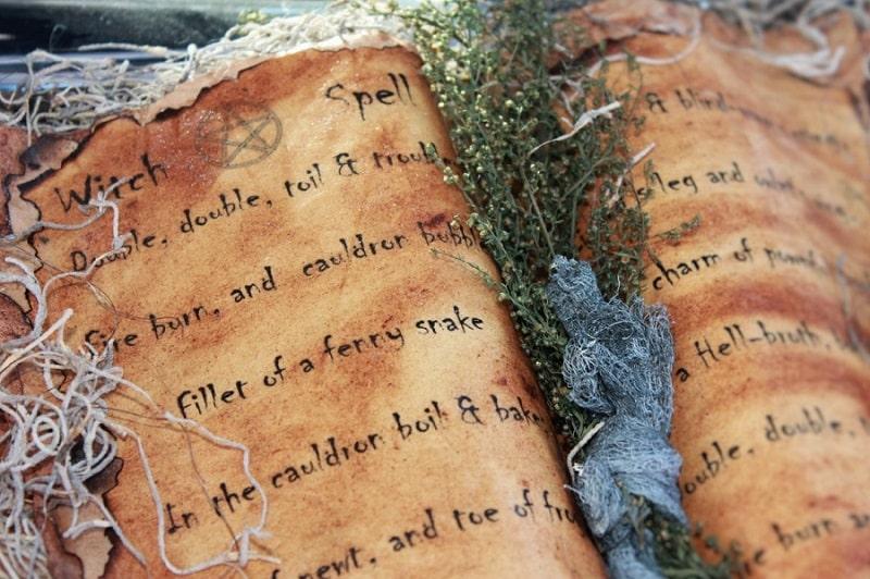Ecriture-automatique-médium-pure-de-naissance-Philomène-Médium-Cartomancienne